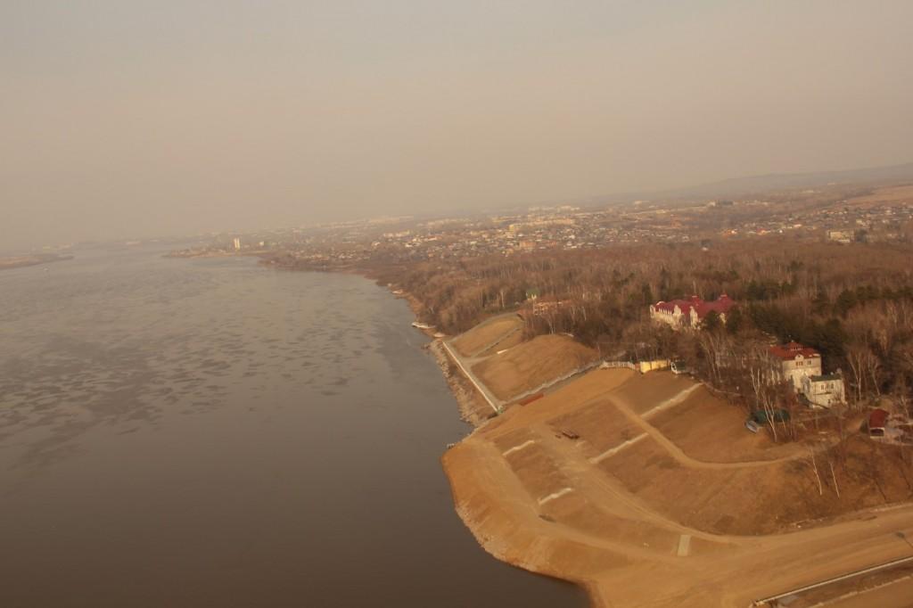 Khabarovsk vue du ciel avec le fleuve Amour à mes pieds