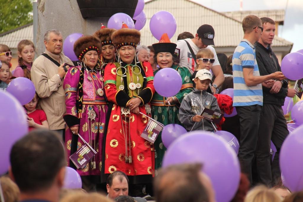 Femmes en costumes traditionnels au Festival du Film de Chita