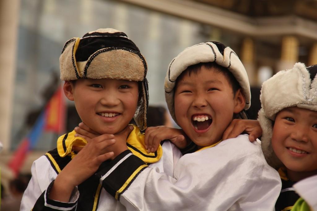 Jeunes en costume traditionnel lors d'une parade