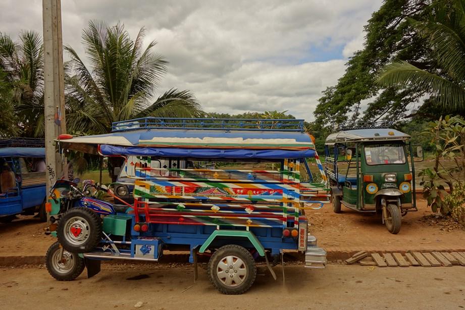 Le moyen de transport en commun le plus prisé du Laos: le tuk tuk