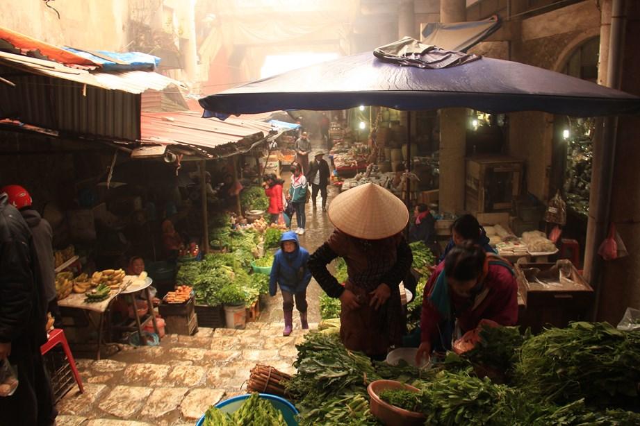 Le marché sous la pluie