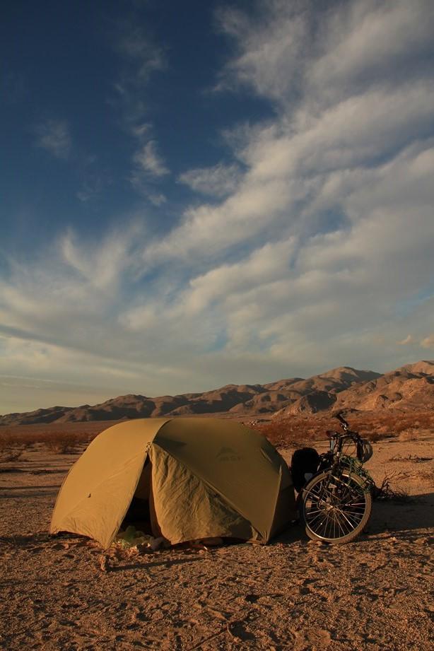 Petit bivouac dans la Death Valley